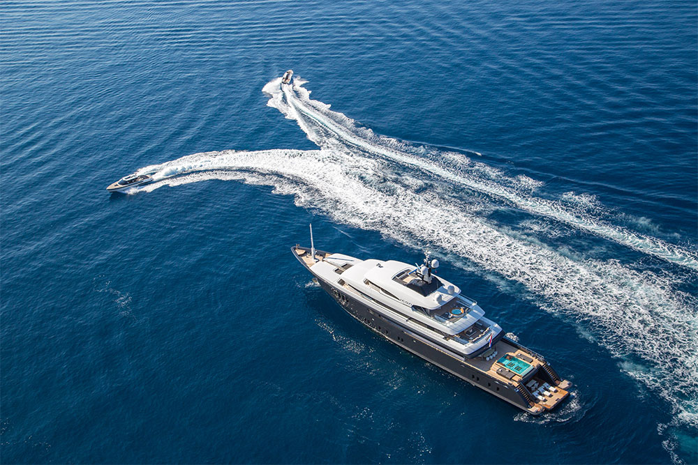 Super Yacht Icon with mini boat